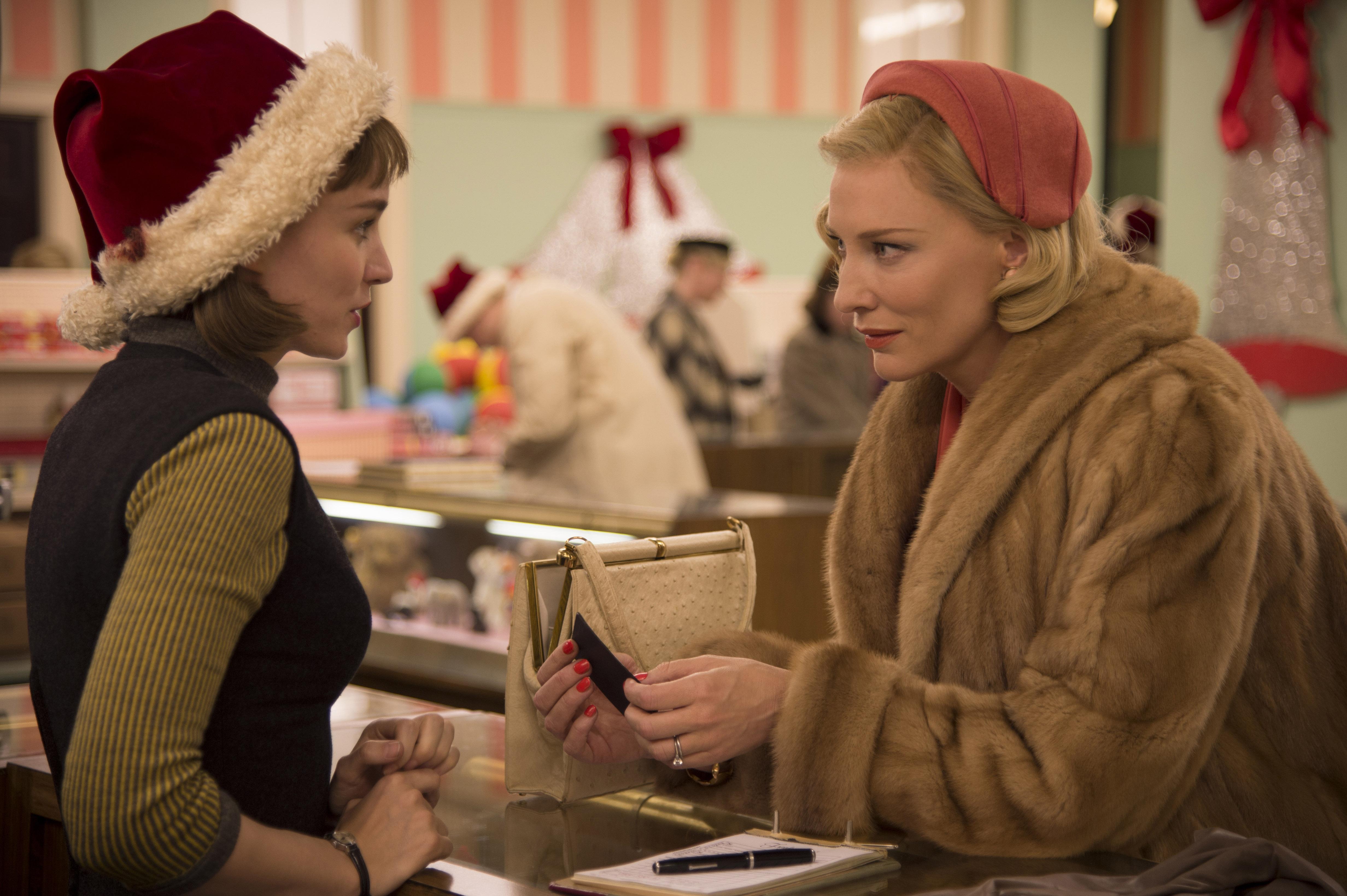 ROONEY MARA et CATE BLANCHETT dans le film CAROL